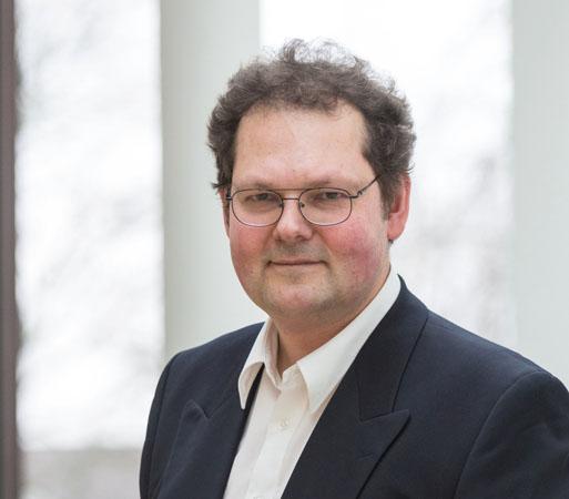 Dr. Bernhard Huber